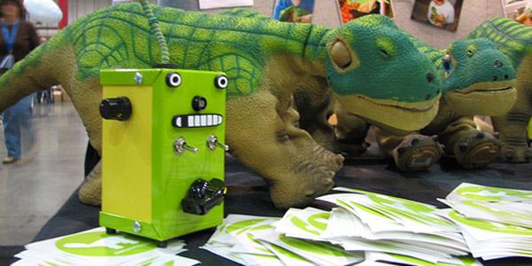 Thingamagoop vs Dinosaur?